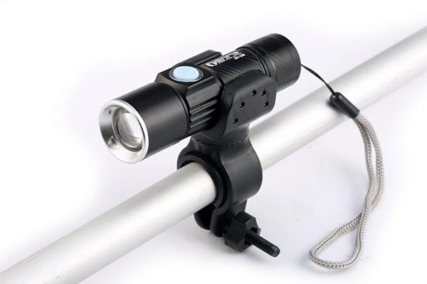 Lampe de poche LED USB intégré Rechargeable + Support